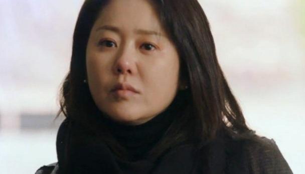 berselisih-go-hyun-jung-sutradara